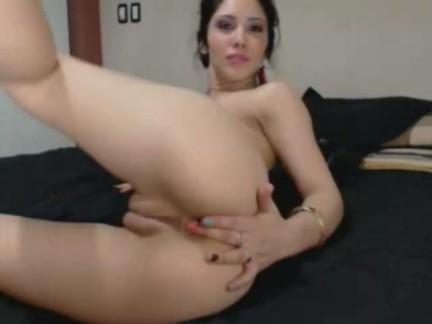 Larisa Putita Colombiana Nos Enseña Todo por Webcam